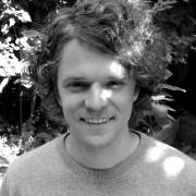 André V., 37, Performancekünstler und Trainer für Kommunikation und Diversity
