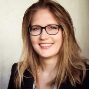 Veronika L., 33, Niederlassungsleiterin internationaler Handelsgesellschaft für Projektentwicklung und Lieferungen technologischer Ausrüstungen